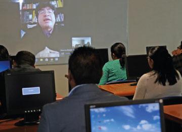 Al ser en línea, la Licenciatura cuenta con docentes nacionales y extranjeros