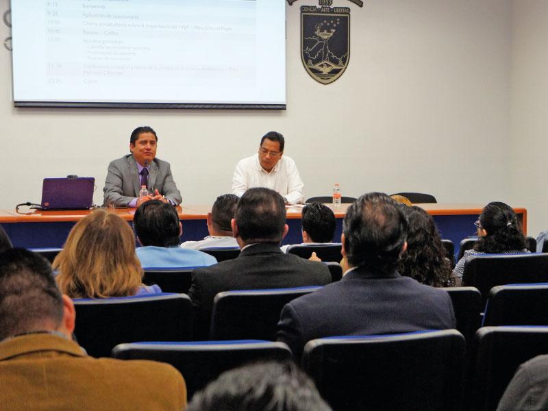 Conferencia magistral como parte de las actividades extracurriculares del posgrado